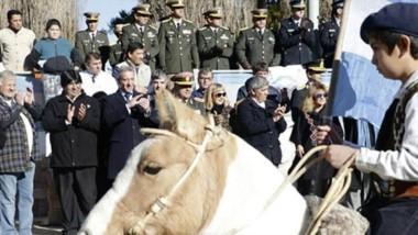La celebración por el 25 de Mayo se realizó desde la localidad del interior con un importante marco.