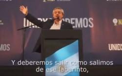 El precandidato presidencial Alberto Fernández lanzó este domingo su primer spot de campaña .