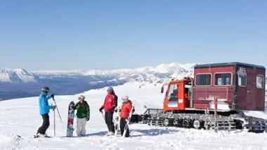 A esquiar. La postal de un recurso turístico que suma servicios y promociones para todos los visitantes.