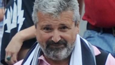 Pesado pesado. César Mansilla, el nuevo asesor de imagen de Linares.