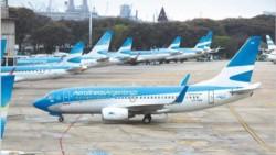 Aerolíneas Argentinas y la mayoría de las compañías aéreas, tanto nacionales como extranjeras, cancelaron todos sus vuelos del miércoles.