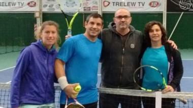"""Ellos fueron los finalistas del mixto B en el """"Torneo Invierno""""."""