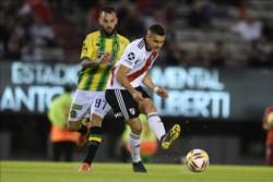 De La Cruz tuvo su noche soñada -3 goles- y además marcaron Santos Borré, Pratto y Ferreira.