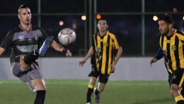 Anoche, Ever Ready se hizo fuerte en el Ce.De.Tre y superó a Deportivo Madryn, por 2 a 1. En cuartos de final se medirá contra Huracán o Roca.