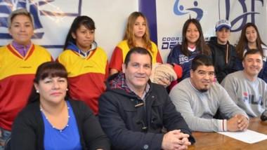 El acto de presentación con Behotats, Bejar, Vargas, Monsalves y García.