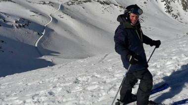 Hobby. El padre Rodolfo Costa es un gran aficionado al esquí.
