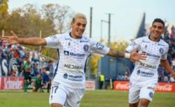Con goles de Tissera -2-, Castro -p- y Asenjo, Independiente Rivadavia venció 4-1 a Nueva Chicago.
