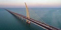 Kuwait inauguró el miércoles un puente de 36 kilómetros de extensión construido sobre las aguas del Golfo Pérsico. Tardaron cinco años en hacerlo.
