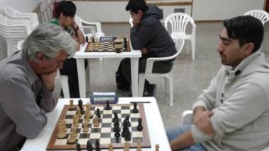 Sergio Czabanyi vs. Facundo López en la partida que definió el 1º puesto.