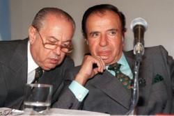 Carlos Vladimiro Corach, y Carlos Saúl. Juntos eran dinamita y se las ingenian para seguir con las espaldas cubiertas...