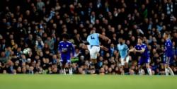 Con un golazo, Vincent Kompany acaba de poner media Premier League en el bolsillo del City.