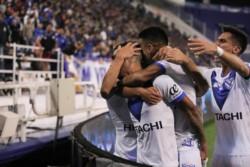 Tras su victoria de visitante, Vélez buscará avanzar de ronda como local ante Lanús.