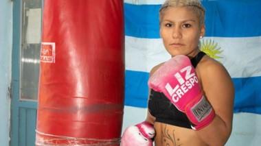 Liz Crespo en su lugar de entrenamiento. Día a día se prepara junto a su entrenador Beto Quinteros y su preparador físico Peto Ruiz.
