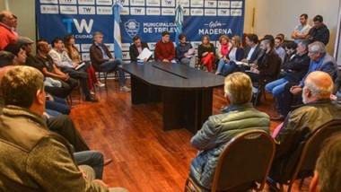 Mesa de trabajo. Ayer se terminó de conformar el Consejo Consultivo con la intención de buscar alternativas ante la crisis de empleo en Trelew.