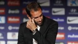El uruguayo no pudo contener las lágrimas. Se despide tras 9 temporadas, 387 partidos, 8 títulos y 27 goles.