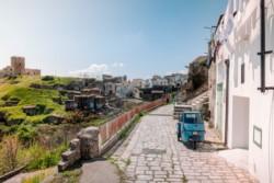 Un joven argentino vivirá 3 meses en Grottole, buscando revitalizar un pueblo italiano.