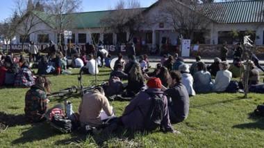 El Bolsón, preparado para recibir a estudiantes universitarios de todo el país.