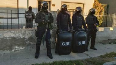 Los registros domiciliarios se llevaron a cabo durante la mañana de ayer por la Brigada y el grupo GIR.
