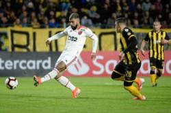 Peñarol quedó afuera de la Libertadores, empezaron a jugar con pierna fuerte y los hinchas del Manya arrojaron proyectiles desde las tribunas.