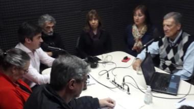 Discusión. Los postulantes se encontraron en el estudio para intercambiar sus proyectos para Esquel.
