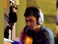 Teruel junior en estudio de grabación, con viola...