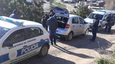 Los procedimientos se realizaron ayer en dos viviendas de Esquel.