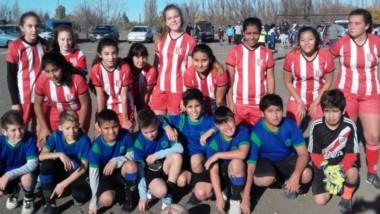 En cancha de Bichitos Colorados, el pasado fin de semana se jugaron los primeros partidos finales.