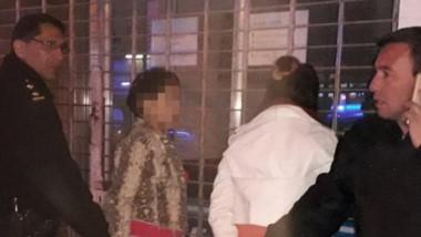 Dos mujeres y un hombre fueron atrapados robando en un local.