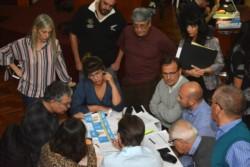 El recuento en Legislatura se sigue voto a voto. / Foto: Sergio Espaza - Jornada