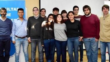 Los estudiantes pertenecientes a la Universidad de la Patagonia San Juan Bosco (UNPSJB), becados por PAE.