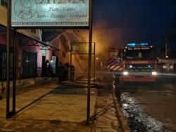 Bomberos y personal del comercio controlaron el incendio
