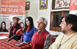Cúpula. Desde la izquierda, Iun, Flores Torres, Hualpa y Ángel Cayupil durante el balance electoral en Trelew.