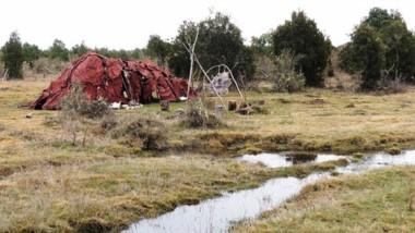 Los expertos estiman que unos 25 humanos vivían en la vivienda comunitaria. Monte Verde está a unos 130 km de Lago Puelo.