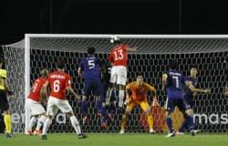 Después del primer gol, se rompieron los asiáticos.