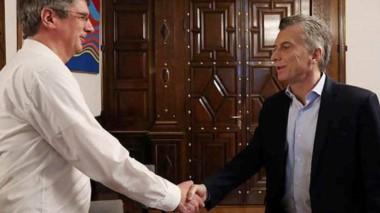 Saludo. El intendente tuvo su charla a solas con Mauricio Macri.