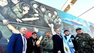 Con la presencia de autoridades se descubrió el trabajo del equipo del CENPAT y de los muralistas, en un marco de mucha emoción.