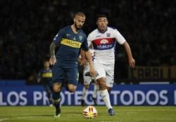 Benedetto sigue peleado con el gol. Falló una situación favorable y dos minutos después, Tigre marcó.
