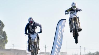 A puro salto, se vivió ayer la segunda fecha del Campeonato de Motocross Patagonia Zona Norte, en Rawson.