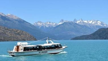 Relax. Uno de los paseos por el Parque Nacional Lago Puelo, uno de los tantos atractivos turísticos.