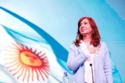 Cristina cuestionó a Macri  por su discurso en el Día de la Bandera.