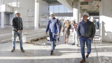 Proyecto. La recorrida de los funcionarios por la obra del Hospital de Alta Complejidad de Trelew.