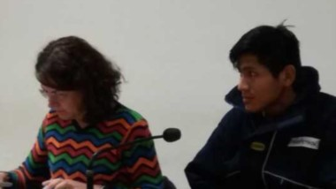 Eduardo Atanacio Pardo junto con su defensora Viviana Barillari en la audiencia de ayer en los tribunales.