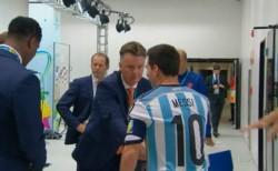 El palito de Van Gaal a Messi: el ex DT holandés cuestionó el juego colectivo de Leo.