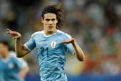 Cavani y un gol clave para que Uruguay se meta en la primera posición del Grupo.
