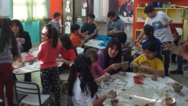 El programa de la Secretaría de Cultura incluye una gran variedad de talleres de expresión, baile y canto.