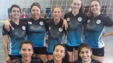 El equipo femenino Libres ganó por 3-2 ante Puerto Voley en Trelew.