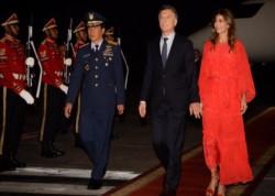 Mauricio Macri llegó a Indonesia e inició su gira por Asia, antes de participar en el G20 en Japón.