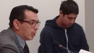Mariano Santos pidió la devolución de su celular. No se lo dieron.