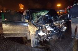 El conductor del rodado fue extraido en grave estado y murió en el Hospital (foto @radio3trelew)
