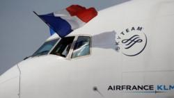 Un pasajero hizo demorar un vuelo y se confirmó que su amenaza era falsa (foto @infobae)